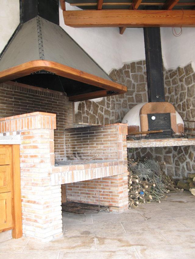 Chimeneas para barbacoas de obra elegant fabrica de - Hacer chimenea barbacoa ...